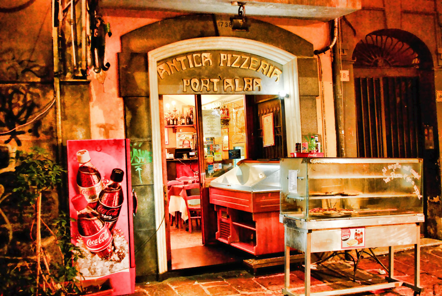 antica-pizzeria-port-alba-naples-italy